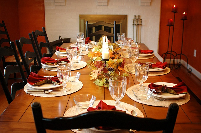 thanksgiving_diningrm_table