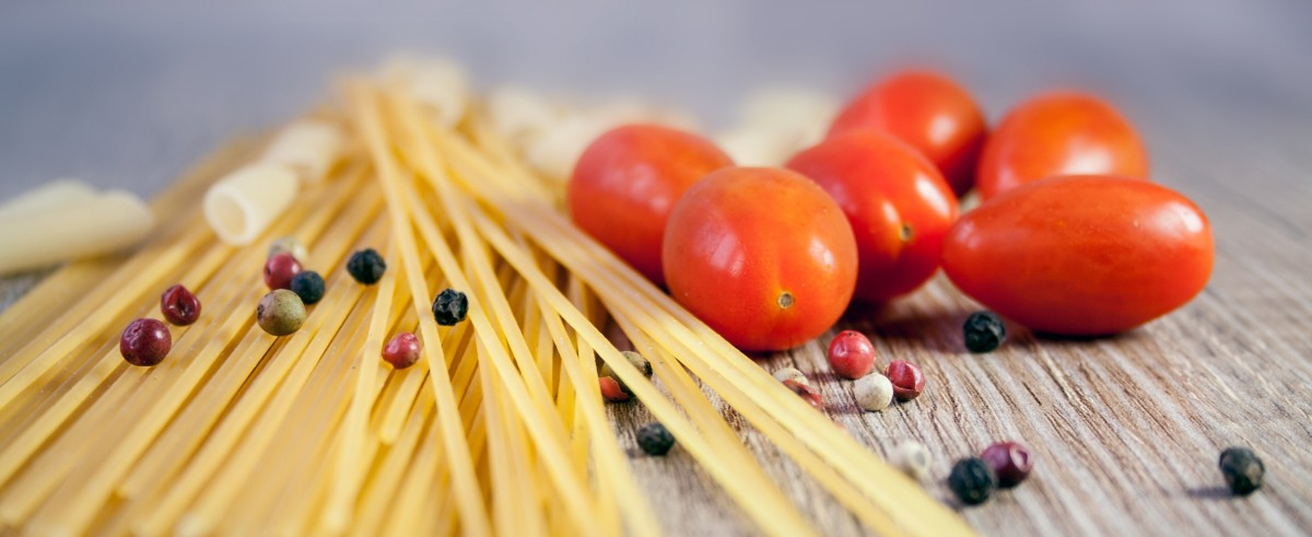 pasta_noodles_cook_tomato_eat_pepper_italy_colorful-746610.jpg!d.jpeg